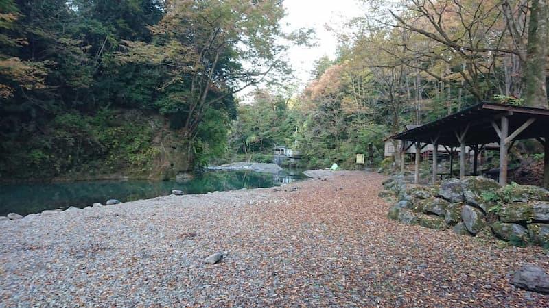 橋立川キャンプ場テントエリア