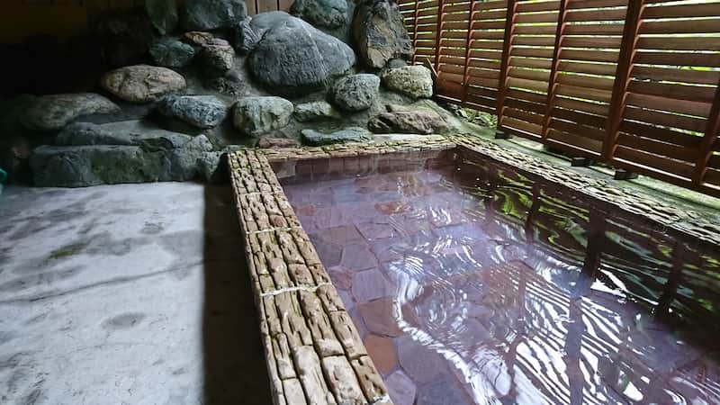 両神キャンプ場露天風呂