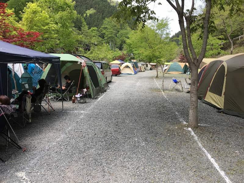 両神キャンプ場オートサイト