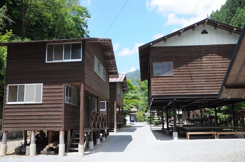 両神山麓キャンプ場バンガロー
